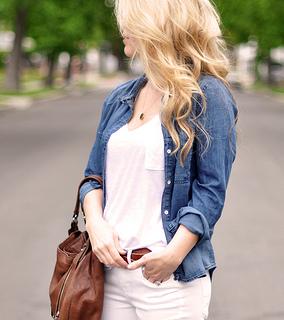 Klassisches Jeanshemd