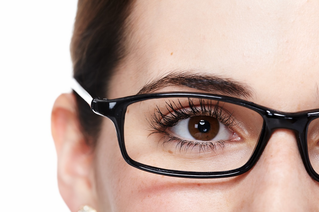 die 10 besten schminktipps f r brillentr ger beautylog