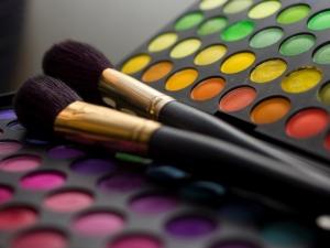 Make-up Palette mit Pinsel
