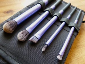 "Das Realtechniques-Starter-Set ""Base Shadow Brush"""