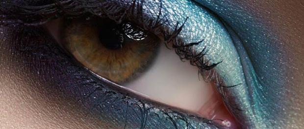 Smokey Eyes in blauem Farbton