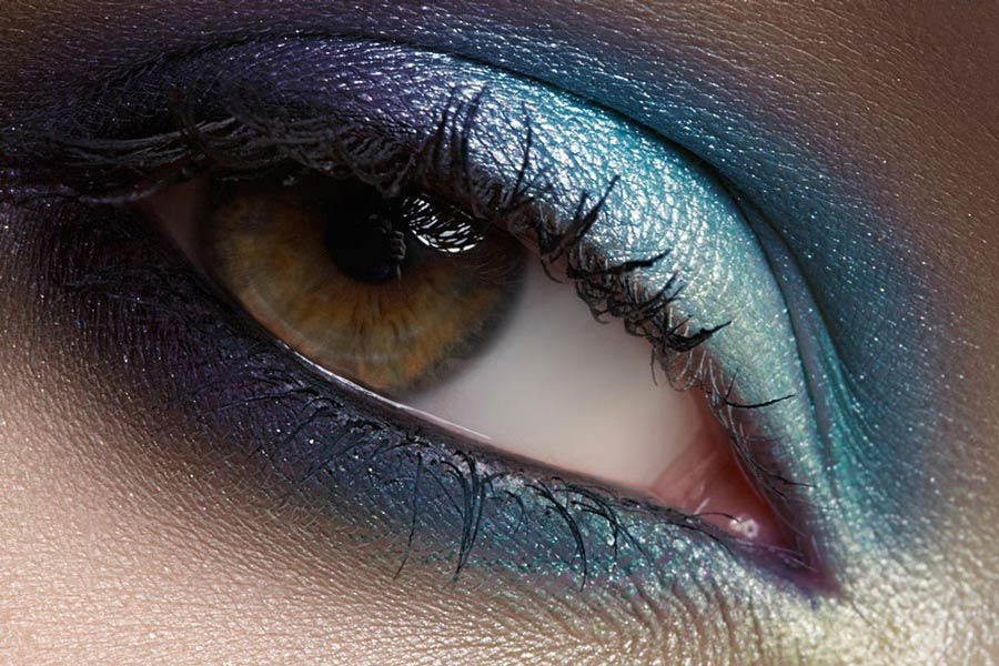 Smokey Eyes in blauem Farbton